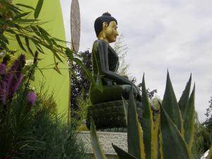 Jade Buddha in Hoa Nghiem Monastery Courtyard